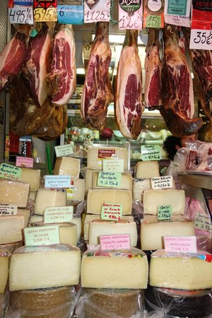 We Love Malaga: Jamon and cheese