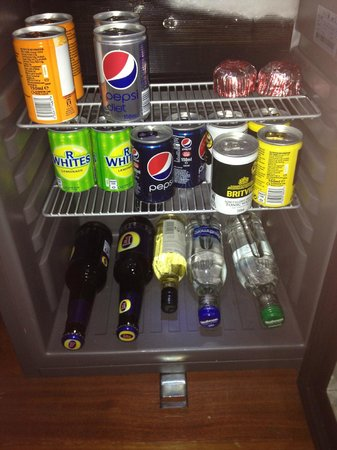 Carlton George Hotel: The free mini bar