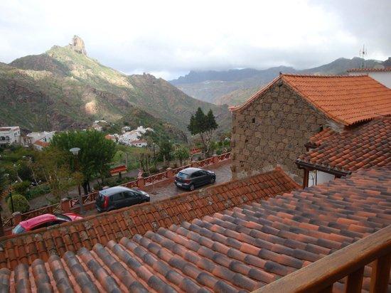 Hotel Rural Fonda de la Tea : UItzicht vanaf het balkon van de kamer op de omgeving.