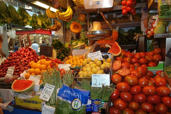 We Love Malaga: Local fruits and vegetables for sale