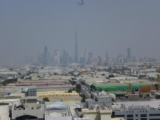 Citymax Hotels Al Barsha: View top of the hotel near the swimmingpool