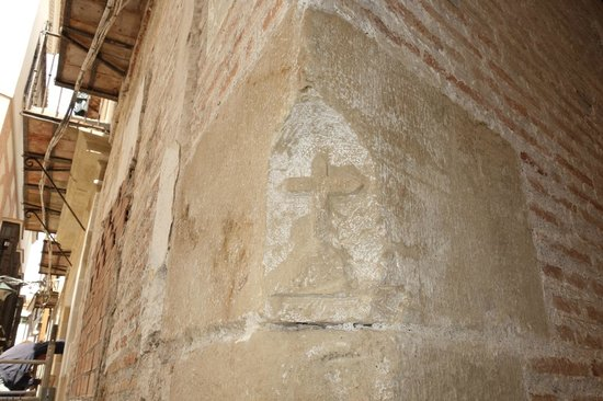 We Love Malaga: A secret peek at a current renovation of a 17th Century home has uncovered a message for inquisi