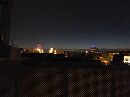 Luxury Suites: 夜景もきれいです