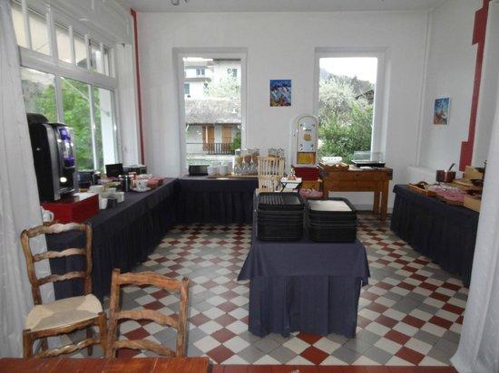 Hotel Le Beau Site: Breakfast