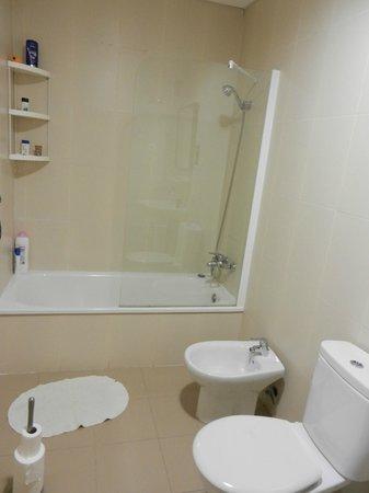 Oasis Backpackers' Hostel Malaga: Bathroom