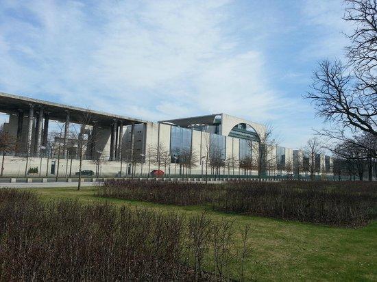 Tiergarten: Bundeskanzleramt
