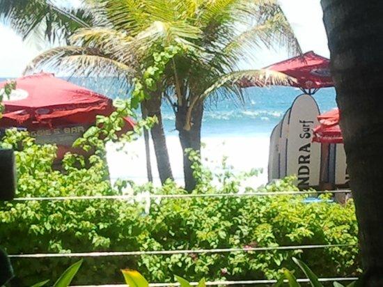 Legian Beach Hotel: Strand