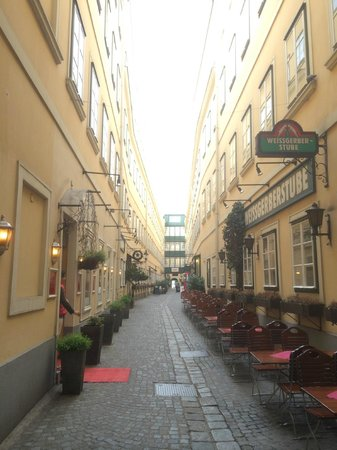 Mercure Grand Hotel Biedermeier Wien: Ladenpassage