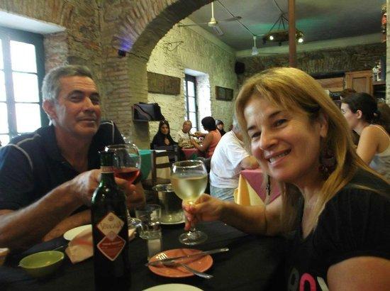 Pulperia de los Faroles : buenos vinos