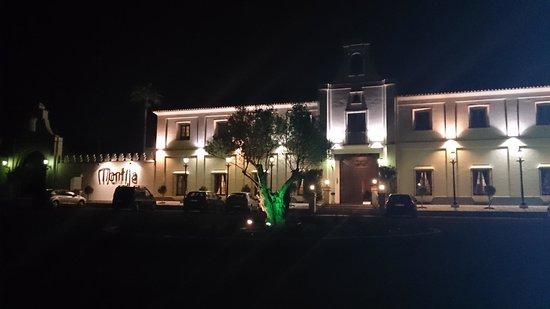 Hacienda Montija: exterior y entrada principal del hotel