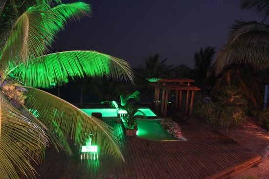 Robert's Grove Beach Resort : Balcony View - Evening