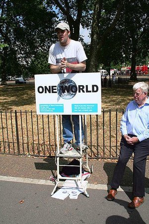 "Speakers' Corner: ""One world"" speaker supporting a world government"
