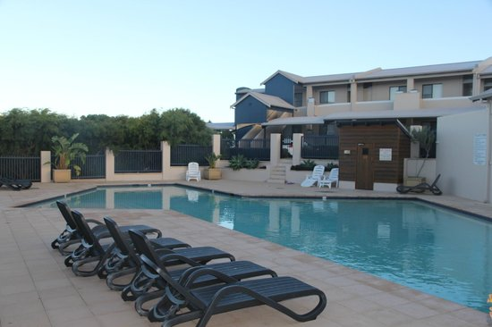 Margarets Beach Resort: Pool area