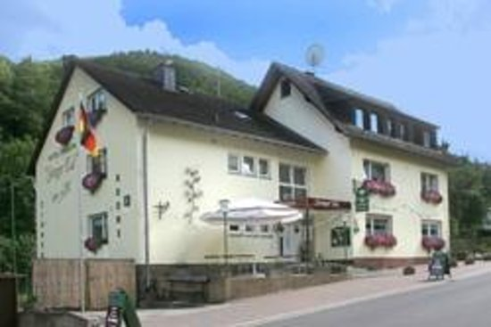 ‪Hotel-Pension-Steeger-tal‬