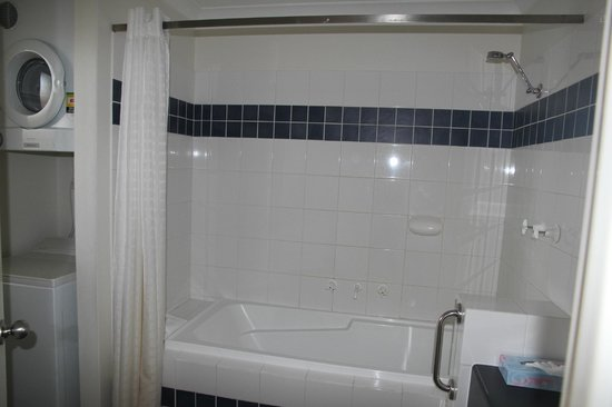 Margarets Beach Resort: Bathroom