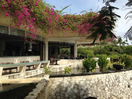 AYANA Resort and Spa Bali : 朝食のレストラン