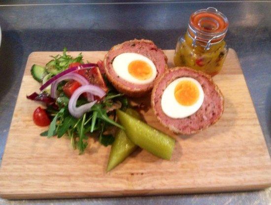 Caffi Gwynant: Homemade Scotch Egg with Piccallli