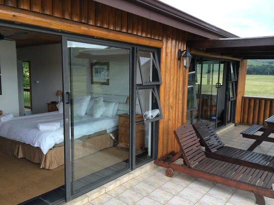 Sani Valley Lodge and Hotel : Our bedroom / patio