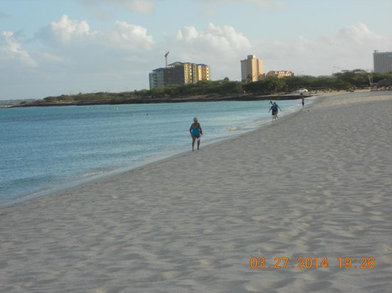 Tropicana Aruba Resort & Casino : Beach