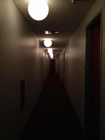 The Standard Downtown: corridoio al 7° piano