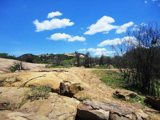 Mirante do Serrote do Urubu: Caminho para o paredão