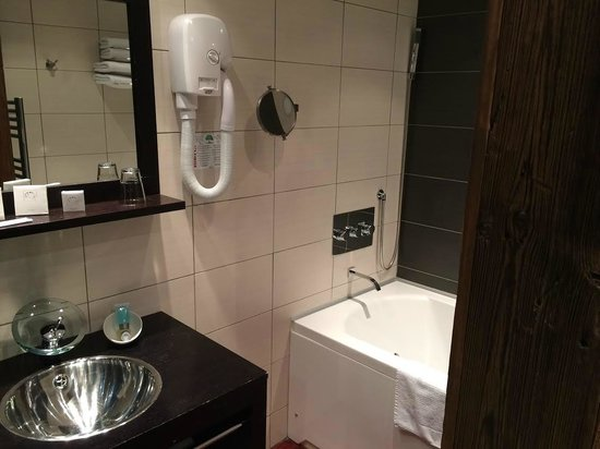 Hotel Le Montana: Salle de bains