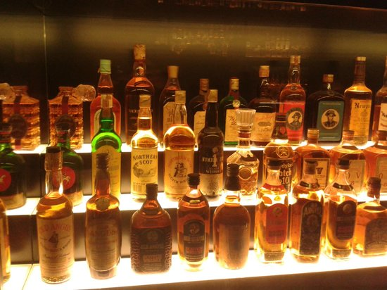 The Scotch Whisky Experience: Large collection of whiskey