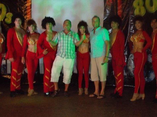 Hotel Fontan Ixtapa : la troupe de danse