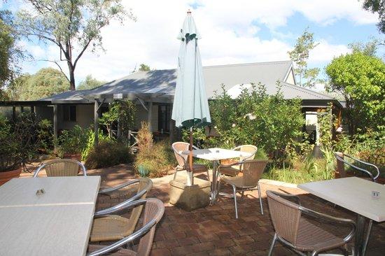 Cottage Cafe at The Berry Farm: Al fresco area