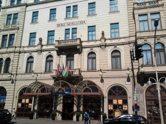 Bagno picture of radisson blu beke hotel budapest for Radisson hotel