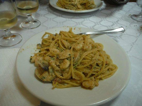 Trattoria Da Giacomo : spaghetti all'uovo di pesce spada