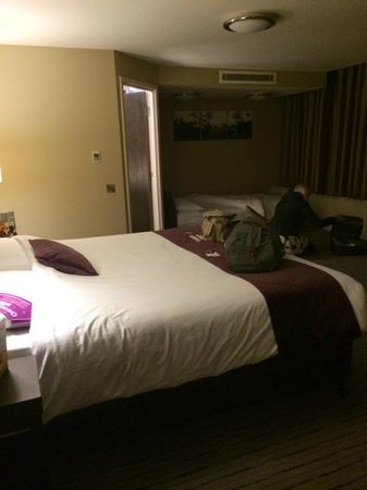 Premier Inn Manchester City Centre (Arena/Printworks) Hotel : Our room (302(
