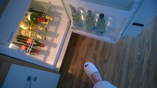 The Mandala Suites: Холодильник наполнен качественными продуктами