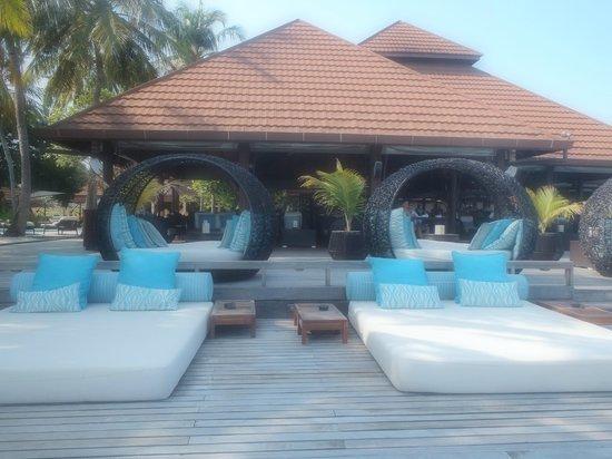 Kurumba Maldives : Main bar