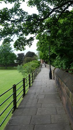 Walls of Chester : A quiet corner of the Walls close to the Cathedral