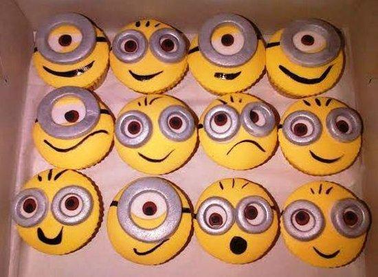 Clare's Cakes & Deli: Minion Cupcakes!