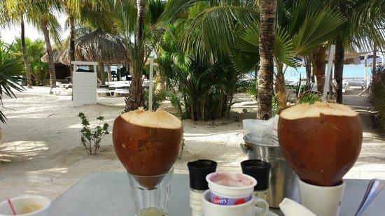 Van der Valk Kontiki Beach Resort: Het ontbijt bij kontiki beach resort, aan het strand Super