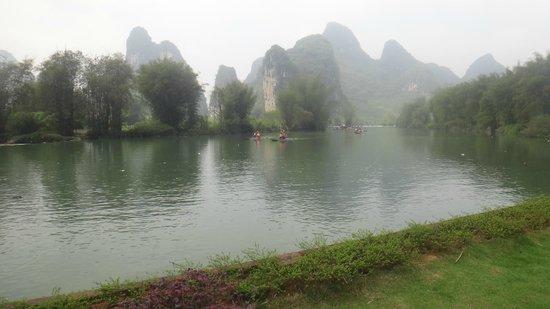 Yangshuo Mountain Retreat : view from room