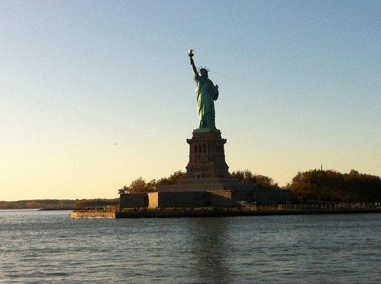 Estatua de la libertad: Dal traghetto
