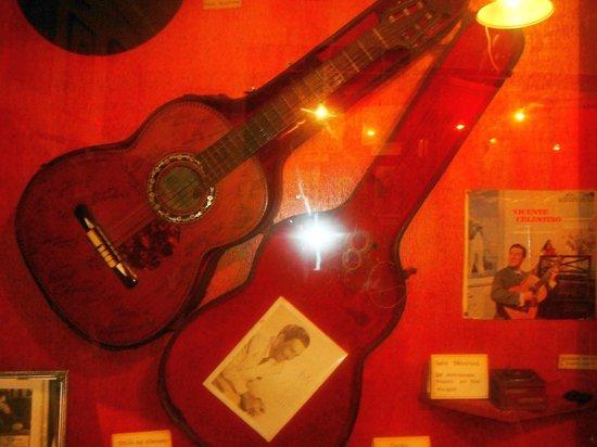Vicente Celestino e Gilda de Abreu Museum: violão da seresta