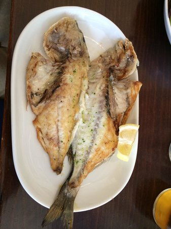 La Parada Del Mar: Gilt-head bream, in Spain it is called dorada.