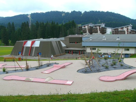 Village vacances station les rousses hotel lamoura for Piscine les rousses