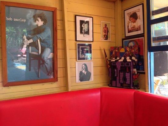 Jack Sprat Seafood and Pizza : Inside Jack Sprat