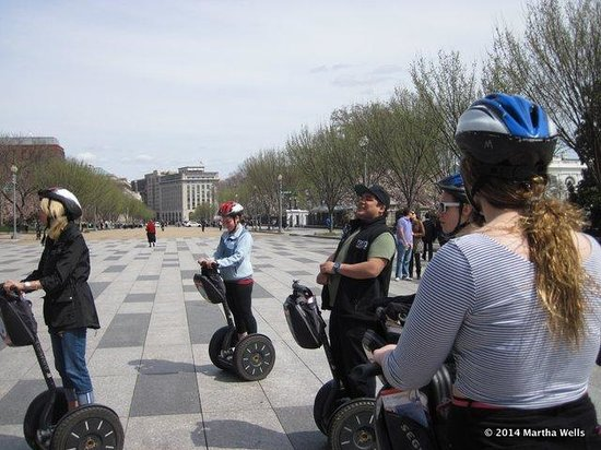 City Segway Tours of Washington, DC: learning about the White House