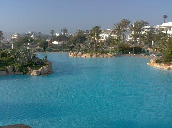 ClubHotel Riu Tikida Dunas: piscine non chauffée brrrrrr au mois de mars