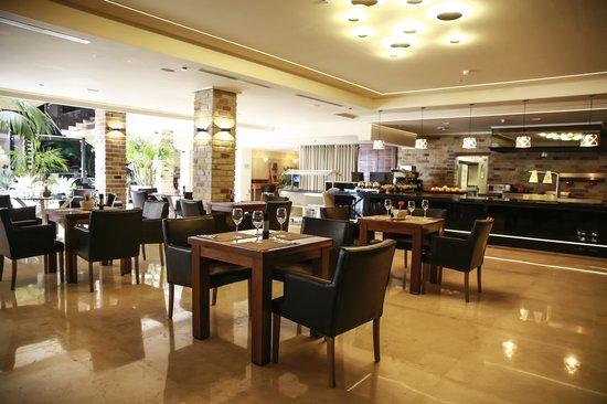 Garden Hotel: Hotel Restaurant