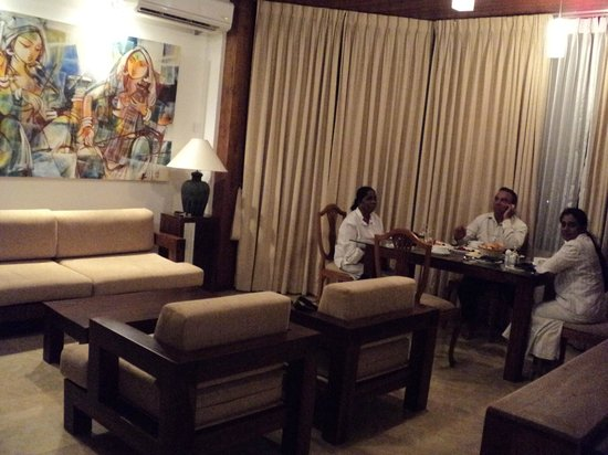 Amaara Sky Hotel Kandy: Penthouse Sitting and Dinning Area