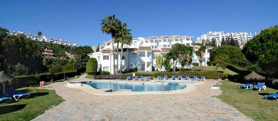 Club La Cartuja: Pool area a resort