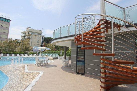 Hotel Luxor : Piscina