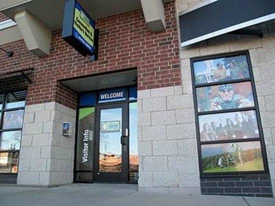Greater Lansing Visitors Center: Greater Lansing Visitor Center fron entrance